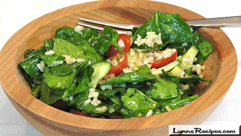 Brown Rice Salad with Spinach and Tomatoes