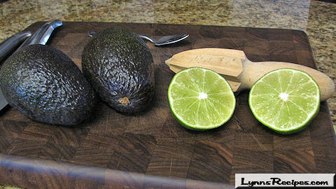 Lynn's Recipes Cooking Tip # 05 -- How to Prepare an Avocado for Dips